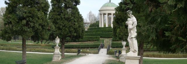 Neoclassic Urban Querini Park near guest house