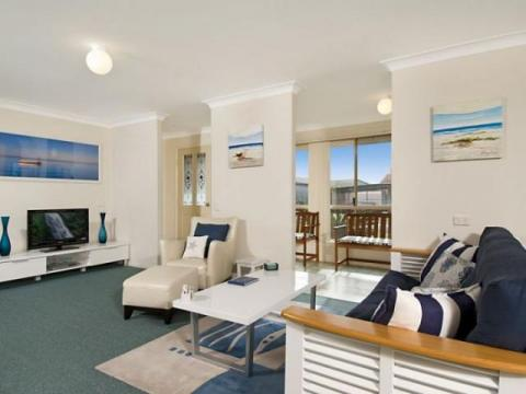 Riverdell Cottage, lounge image